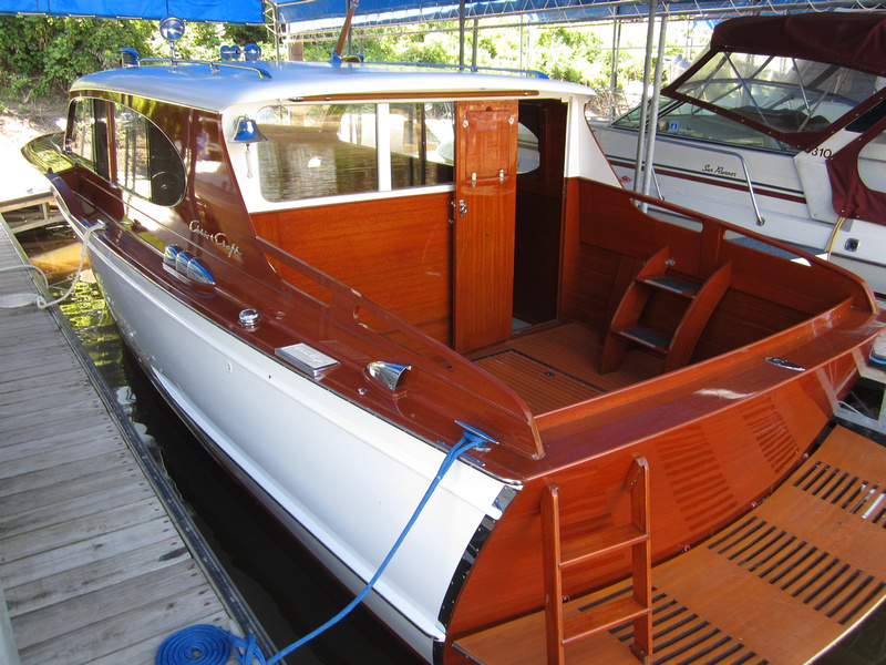 Freedom boat service 1954 chris craft 31 39 sedan for Chris craft cruiser for sale