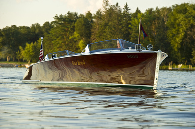 Antique and classic Chris Craft wood boats - Freedom Boat Service